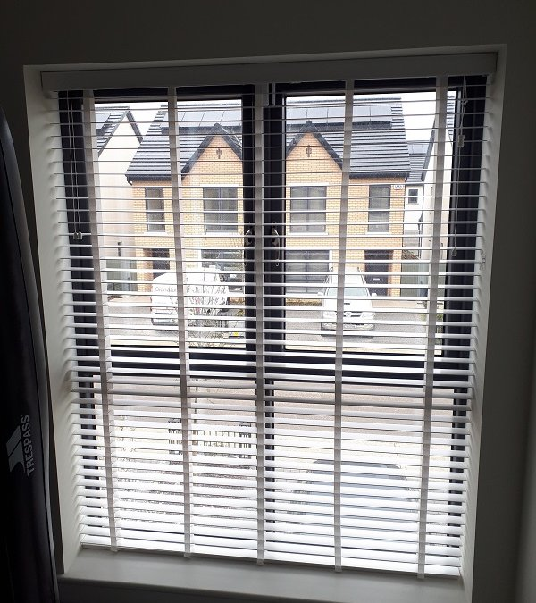 Pleated blind and White Venetian Blinds installed in Churchfields, Ashbourne